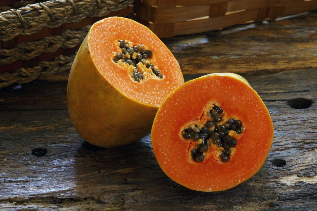 56288600 - papaya