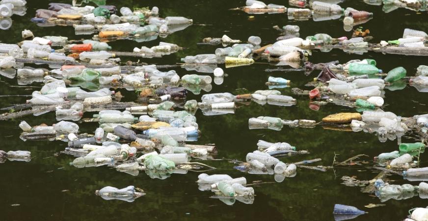 San Francisco Bans Sale of Plastic Bottles