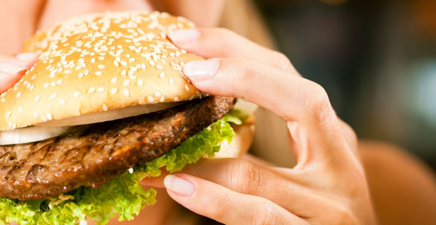 Weekend Binge Eating May Be Just As Bad As Regular Junk Food Diet
