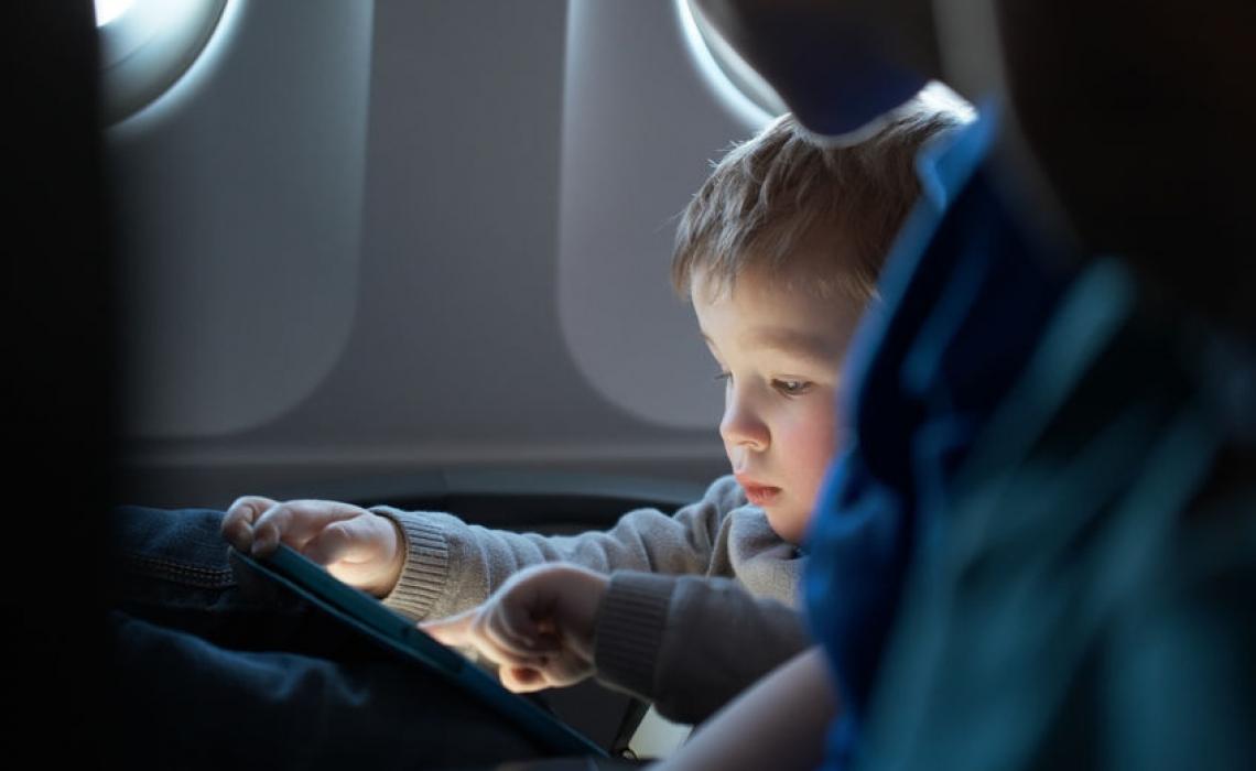 Pediatritians Debate Wisdom of Electronic Media and Toddlers