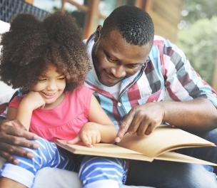 Reading with Toddlers Linked to Less Aggressive Parenting