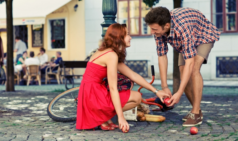 Love at First Sight: It Only Takes One-Fifth of a Second to Fall in Love