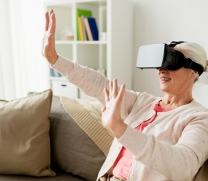 Using Virtual Reality to Help the Elderly with Dementia