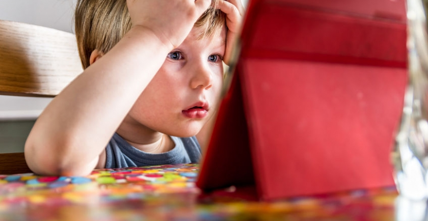 """Screen Addiction"" + Warning Signs in Children"