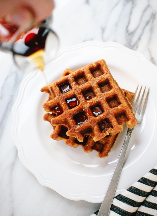 gluten-free-spiced-pumpkin-waffles