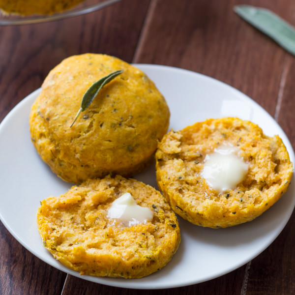 pumpkin-sage-biscuits-6