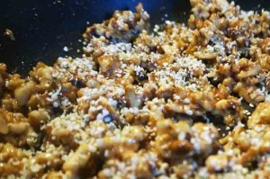walnuts-and-seasoning